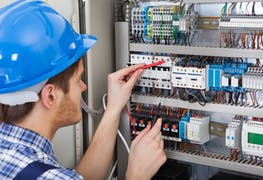 Should I Study Electrical Engineering in the U.S.? Studies and Careers in 2021