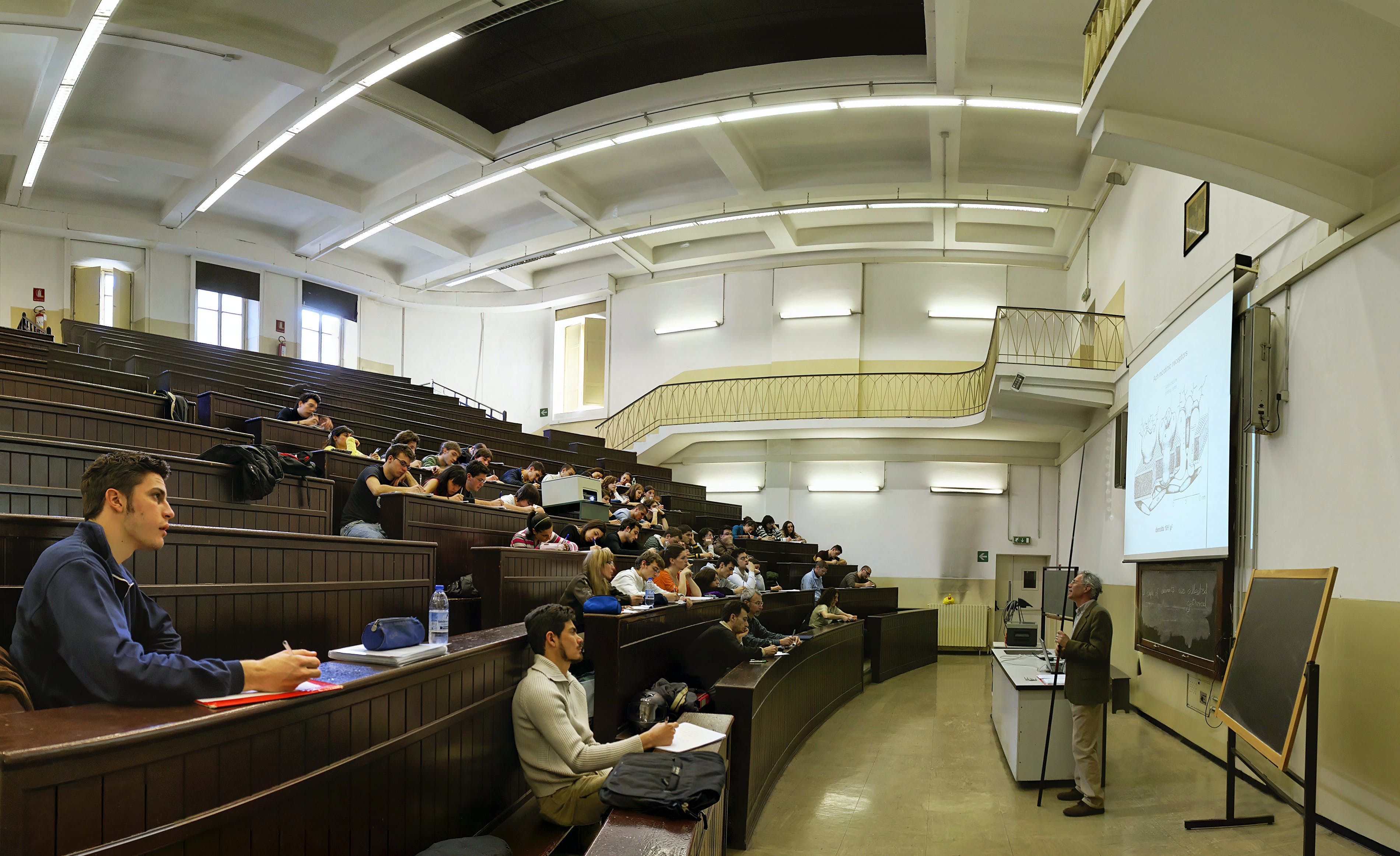 A Medicine lecture hall.jpg