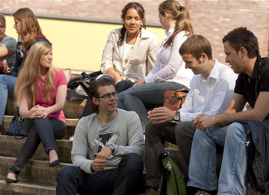 Zuyd_University_Students_outside.jpg